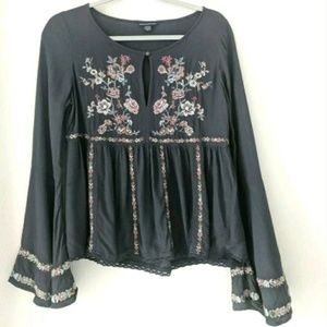 American Eagle Embroidered Floral Peasant Blouse
